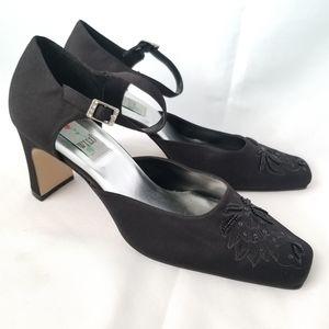 Vintage Wild Rose Black Satin Block Heels Size 11